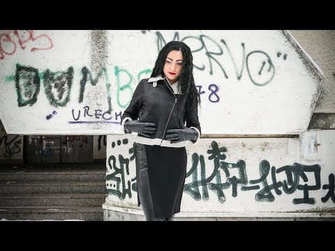 BLACK LEATHER GLOVES, BLACK LEATHER LEGGINS AND LEATHER JACKET - Winter Fashion