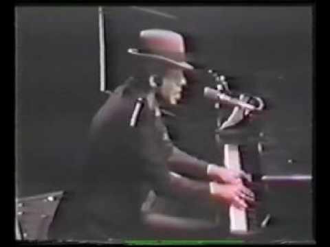 Tom Waits Live - Tango