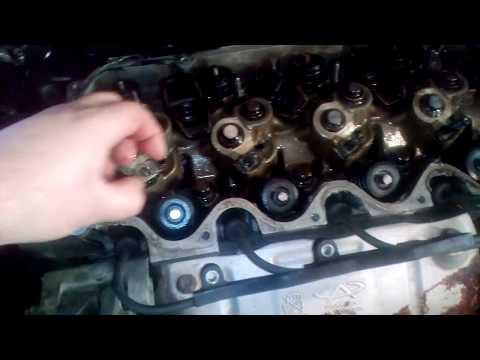 Как крепится двигатель чери амулет