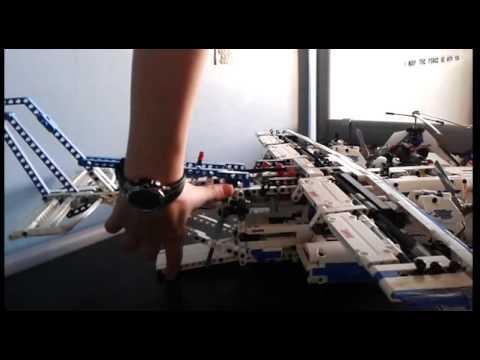 Vidéo LEGO Technic 42025 : L'avion cargo