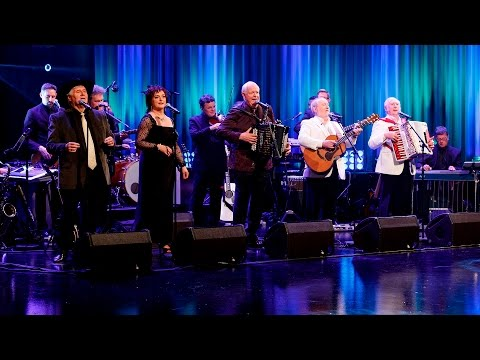 Country 'N' Irish Medley | The Late Late Show | RTÉ One