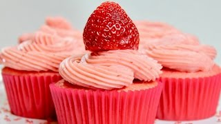 strawberry cupcakes with cream cheese icing