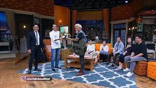 Spesial Keluarga Bapak Jokowi : Presiden Jokowi Mendapat Poster James Hetfield (5/5)