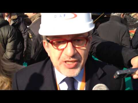 Via alle demolizioni a Lonate Pozzolo con Maroni