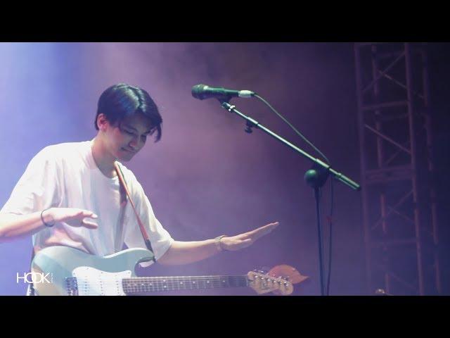 Phum Viphurit - Lover Boy (Live at Sky Avenue 2019)