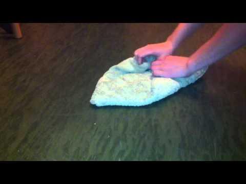 Wie kann man ein Handtuch wie eine Blume falten - Handtücher für Gäste falten