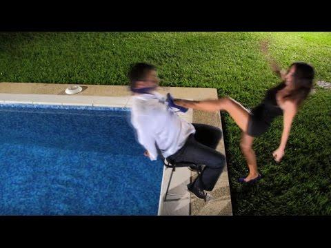 JUDY BUENDÍA - Me retiro elegantemente (Video Oficial)
