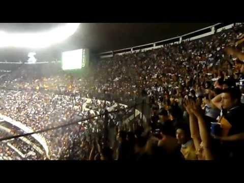 """""""la rebel en el azteca 2013"""" Barra: La Rebel • Club: Pumas"""