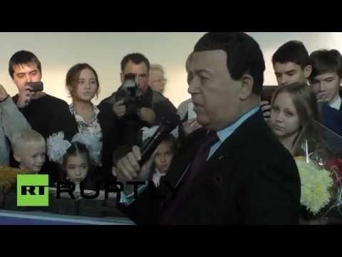 Кобзон исполнил песню о Беслане на Донбассе