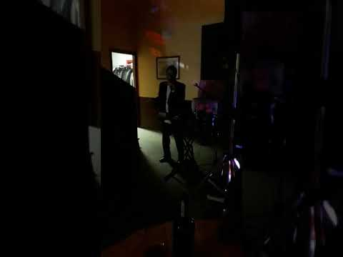 Grillo Cantante Show Cantante, imitatore, Deejay. Torino Musiqua