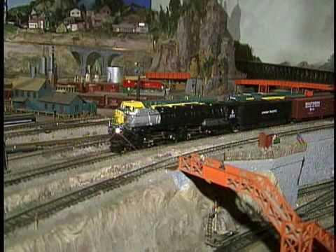 Programa 4Play - Modelos y Trenes a Escala