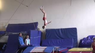 Спортсмены Школы прыжков на батуте Полёт на соревнованиях в Тольятти 20 04 17