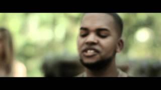 Estoy Aqui - Redimi2 feat Lucia Parker (video oficial)