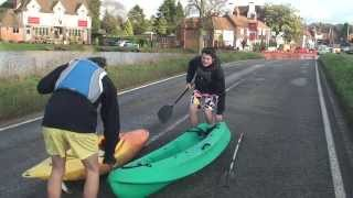 preview picture of video 'Kayaking in Cookham: Bonus Clip -- 9 January 2014'