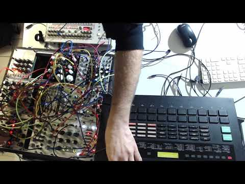 //15 Minutes live Techno ( Modular Synth - Yamaha RX5 - Roland tr09 )