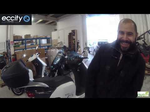 LES UTILISATEURS TÉMOIGNENT – Matthieu, ingénieur, utilise quotidiennement les scooters d'Eccity Motocycles.