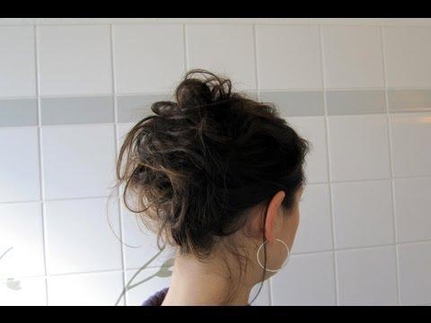 Die Maske für die Verstärkung des Haares aus der Aloe