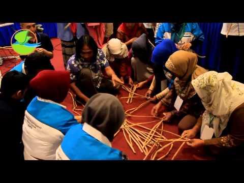 Video Eko Novianto @pelatihan enceng gondok di palembang DINAS PU BM dan PSDA ~ yayasan Tunas Nusa