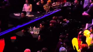 160217 EXO AND BTS reaction to Red Velvet ( Win ) @ GAON CHART KPOP AWARD 2016