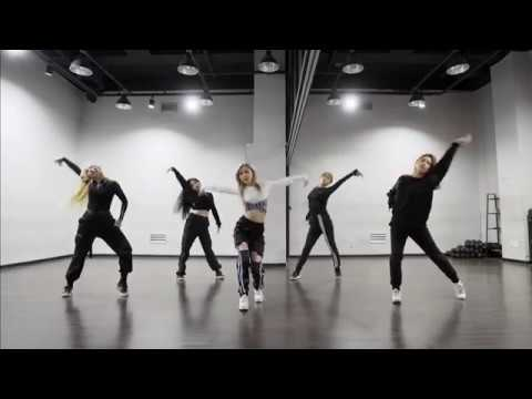 (Mirrored) WENGIE ft. MINNIE of (G)I-DLE 'EMPIRE' (Dance Practice)