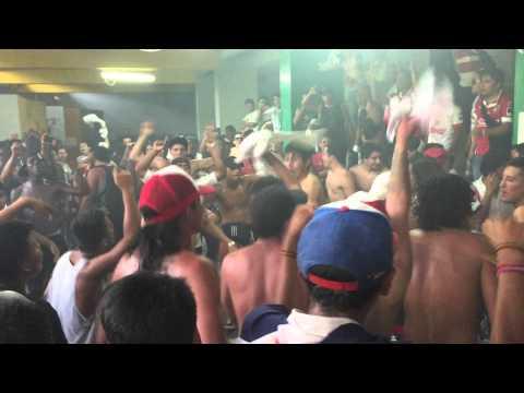 """Fiesta en el mierdero// liga vs barcekopia 2015"" Barra: Muerte Blanca • Club: LDU"