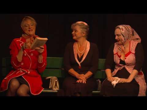 """Bande annonce du spectacle """"Et pendant ce temps Simone veille !"""" au Théâtre de la..."""