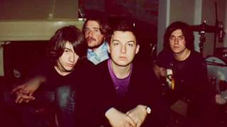 Arctic Monkeys - Don't forget on whose legs you're on