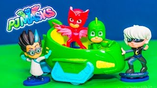 Assistant Unboxes PJ Masks Gecko and Owlette and Catboy Toys