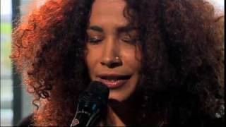Ghalia Benali sings Oum Kalthoum - Lyrics: Ahmad Rami; Music: Riadh al-Sunbati/ from: Qadheet Hayati