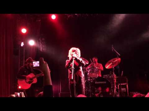 LP ( Laura Pergolizzi) Concert in Berlin.Magic harmonica. Lido.28.11.16