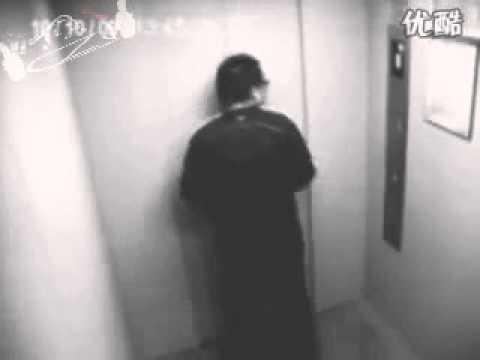 [-HaiVL-] Đừng nghĩ rằng bạn chỉ có một mình trong thang máy