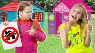 Amelia and Avelina want to be neighbors