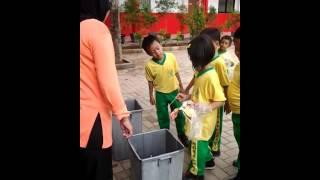 Memilah Sampah Sdn Sukasari 7