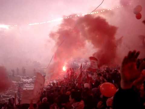 """""""Salida del Pincha frente a Cruzeiro"""" Barra: Los Leales • Club: Estudiantes de La Plata"""