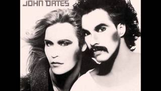 Daryl Hall & John Oates - It Doesn't Matter Anymore