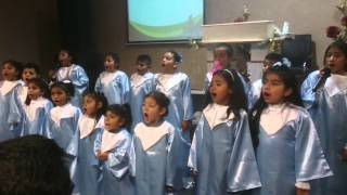 Santo, Santo, Santo - Coro Escuela Dominical TDF