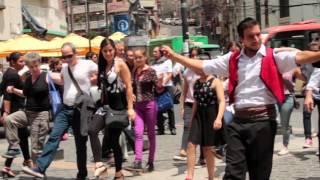 """Video thumbnail of """"Flashmob #Zorba Griego en #Valparaíso con Fundación Mustakis"""""""