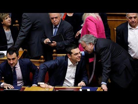 Στη Βουλή η «μάχη» των Πρεσπών