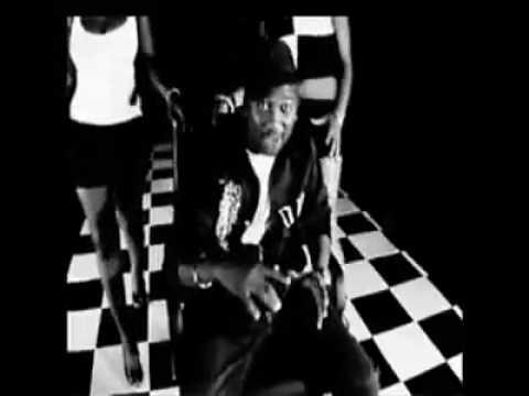 Bom! Digi Digi - DJ Zeez ft Foliano