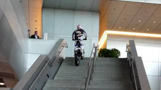 preview picture of video 'BMW Welt Motorrad'