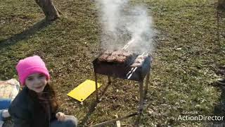 Пикник на Луховском пруду. Едем всей семьёй на природу жарить шашлык из свинины и курицы.