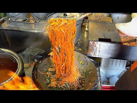 Street Food 2017 in Bangkok Thailand - The Fire Noodles fast food Serious cooking skill