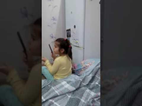 Дочка объясняет маме как надо худеть