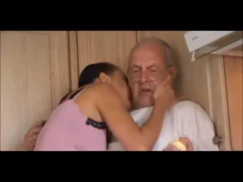 Leccare sua moglie durante porno
