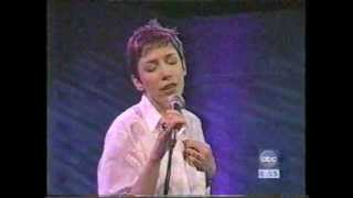 Annie Lennox-Something So Right(Good Morning America,march 1995)Paul Simon cover