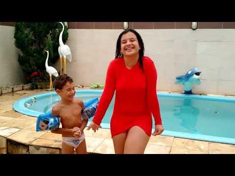 Desafio da piscina 🐳😄 FT Letícia Menezes | Mundo das Brincadeiras 💕
