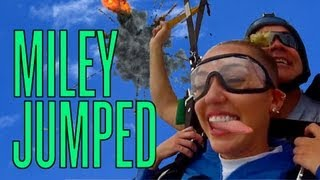 Miley Cyrus Skydiving For Rolling Stone   DAILY REHASH   Ora TV