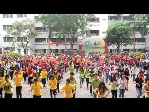 Flashmob ĐH Ngoại Thương chào mừng 20.11