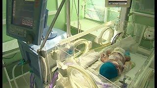 Челябинские врачи выхаживают недоношенных детей