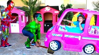 Jannie Pretend Play Funny Kids Dress Up as Superheroes